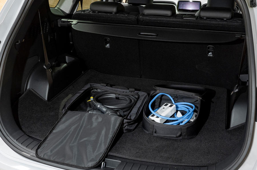 9 Hyundai Santa Fe PHEV 2021 UE FD coffre à bagages