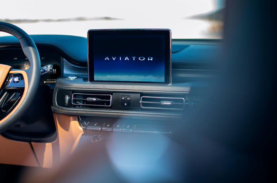 Lincoln Aviator 2020 first drive review - infotainment