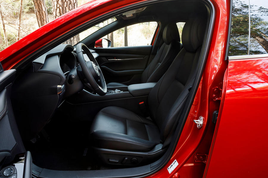 Mazda 3 2.0 Skyactiv-G 2019 first drive review - cabin