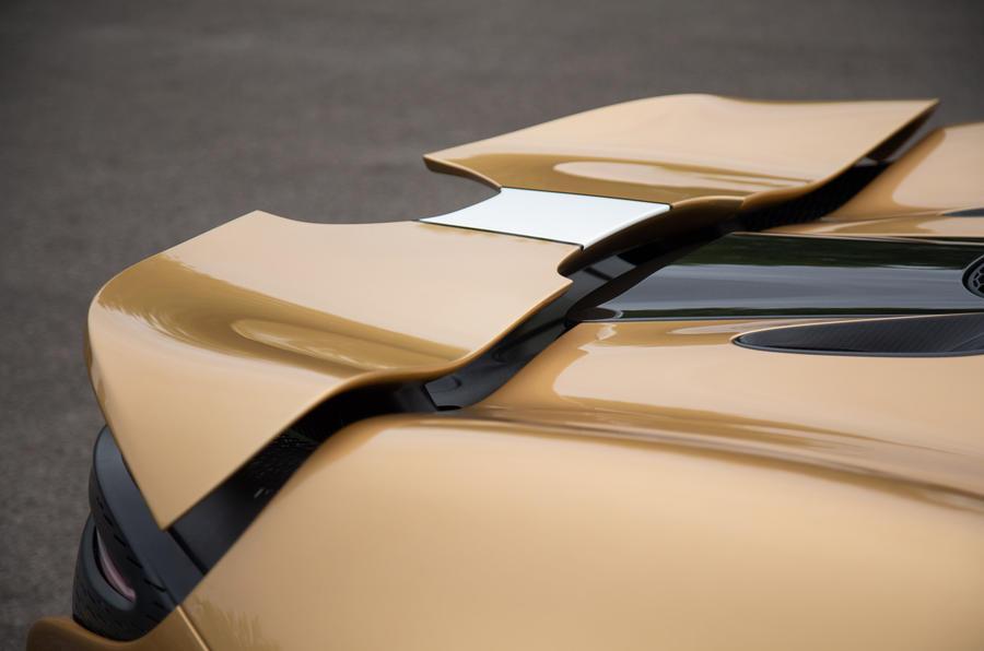 9 Aile arrière de McLaren Elva 2021 UE FD