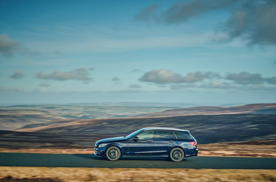mercedes-amg-c43-estate-uk-fd-2019-panning