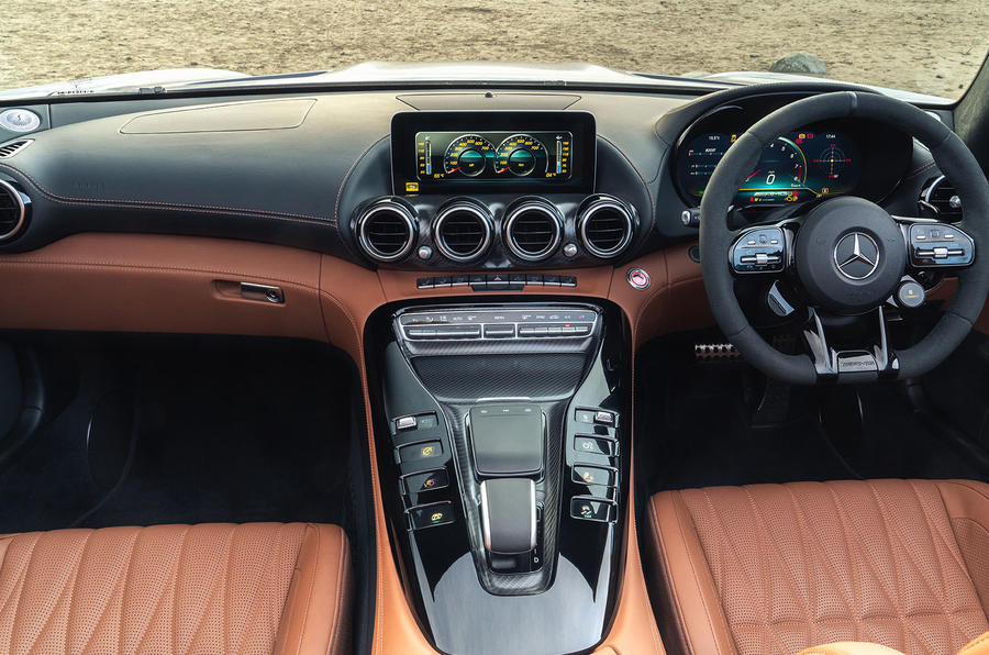 Mercedes-AMG GT R Roadster 2019 UK first drive review - cabin