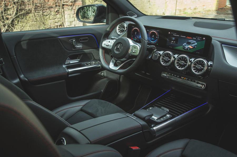 9 Mercedes Benz EQA 2021 : premier tableau de bord de l'examen de conduite au Royaume-Uni