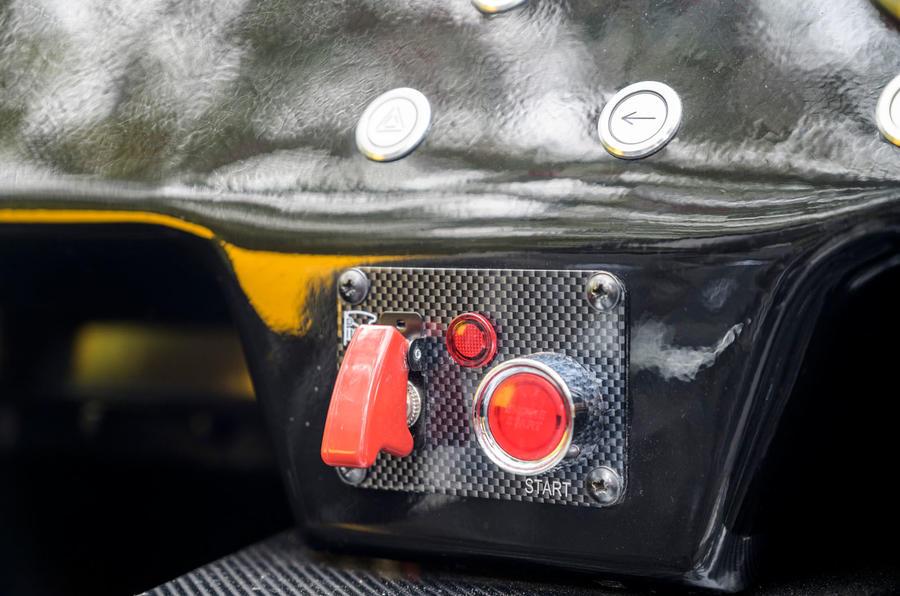 9 MK Indy RR Hayabusa 2021 UE premiers interrupteurs de conduite