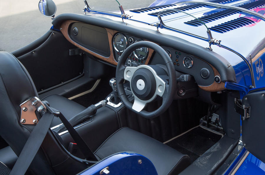 Morgan Plus 8 2018 review interior