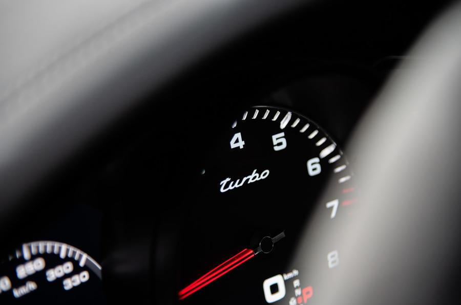 Porsche Cayenne Coupé 2019 first drive review - instruments