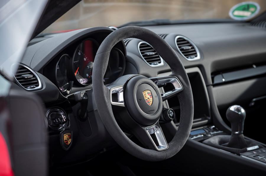 Porsche Cayman T 2019 first drive review - steering wheel