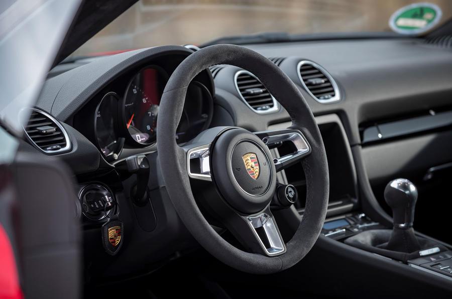 Porsche Cayman T 2019 first drive review - steering wheel
