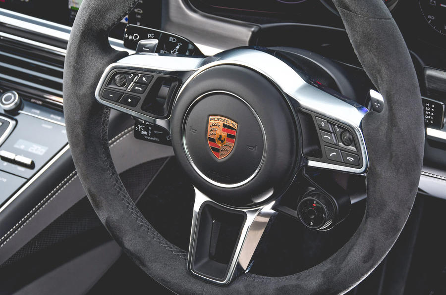 Porsche Panamera GTS 2019 UK first drive review - steering wheel