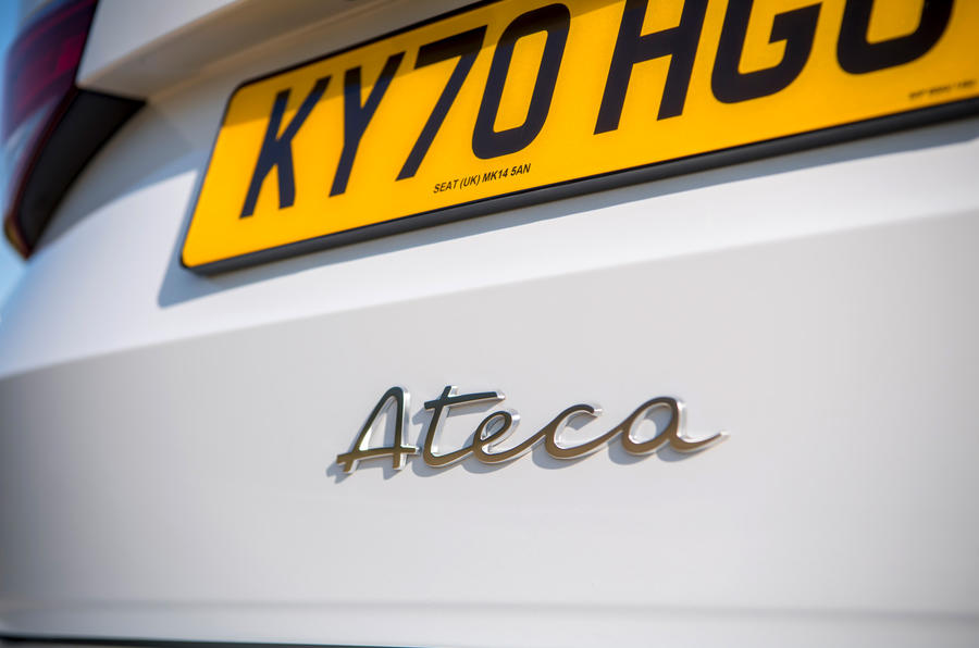 Siège Ateca Xperience 2020 : premier examen de conduite au Royaume-Uni - badge arrière
