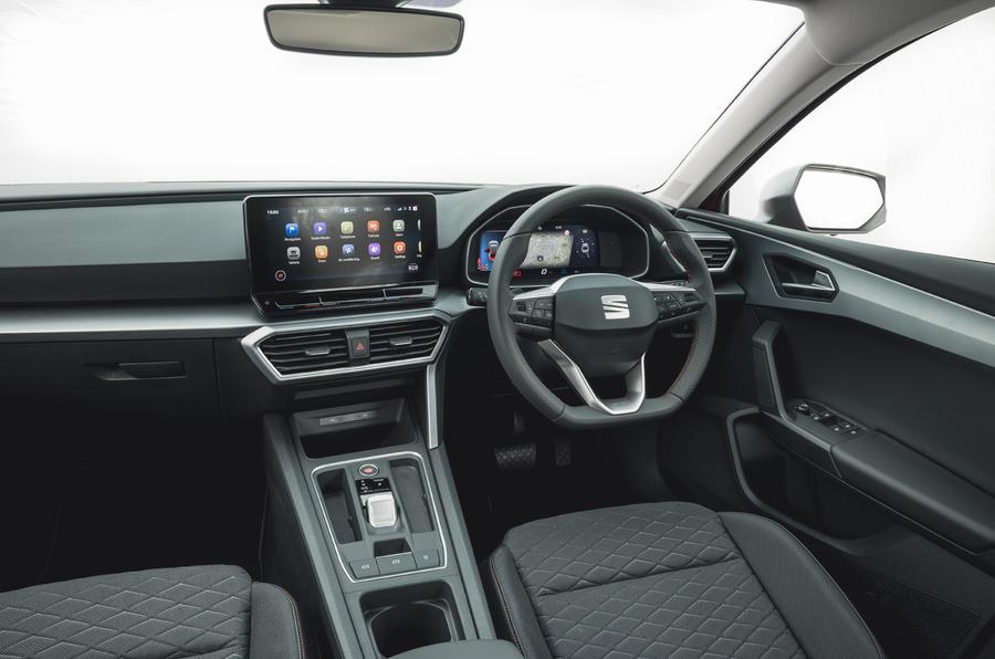 9 chỗ ngồi Leon Estate FR 2021 cabin đánh giá lái xe đầu tiên của Vương quốc Anh
