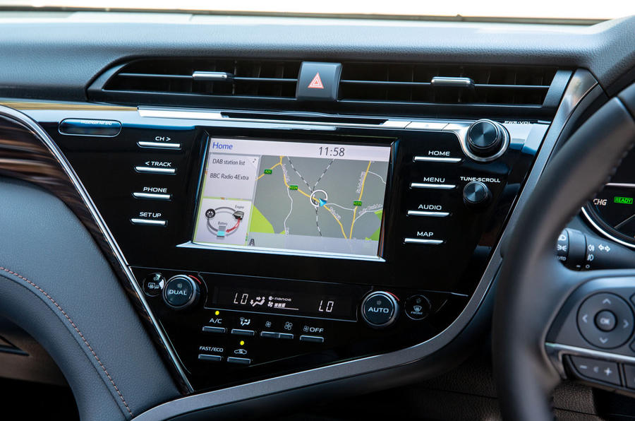 Toyota Camry 2019 UK first drive review - infotainment