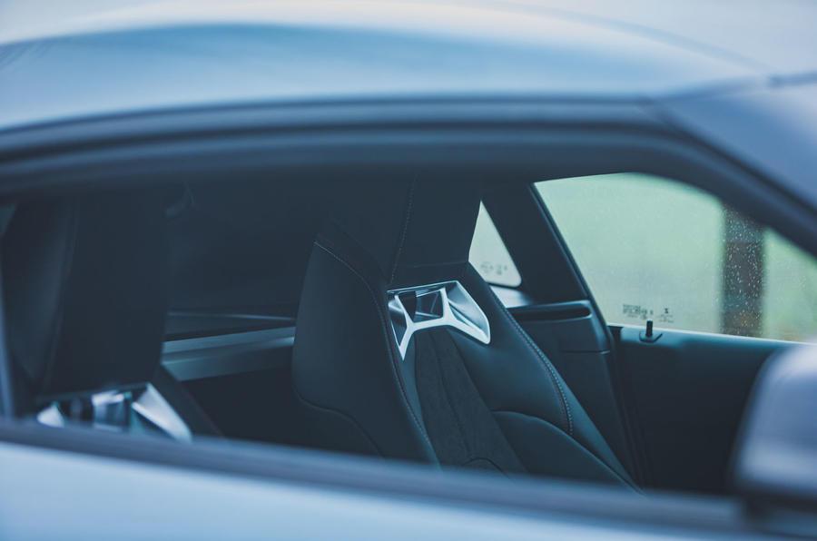 9 Toyota GR Supra 2 litres 2021 Première cabine d'examen de conduite au Royaume-Uni