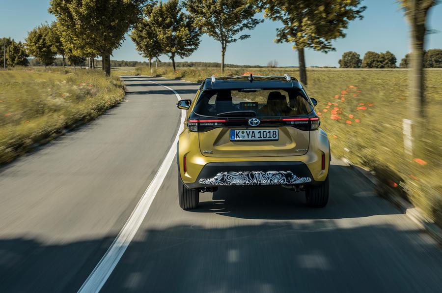 9 Toyota Yaris Cross 2021 UE LHD préprogrammée pour le suivi arrière