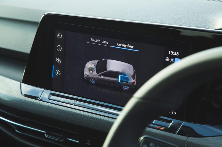 Volkswagen Golf GTE 2020 : premier bilan de conduite au Royaume-Uni - infotainment