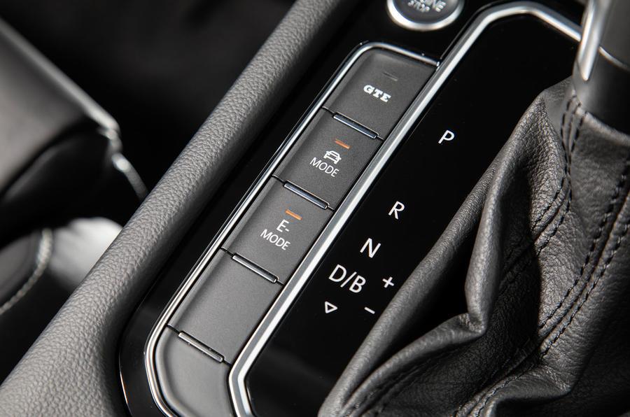 Volkswagen Passat GTE Estate 2019 first drive review - drive modes