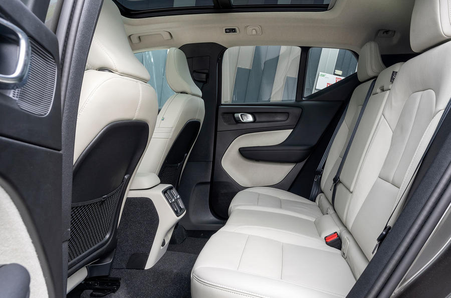 Volvo XC40 T5 2019 UK first drive review - rear seats