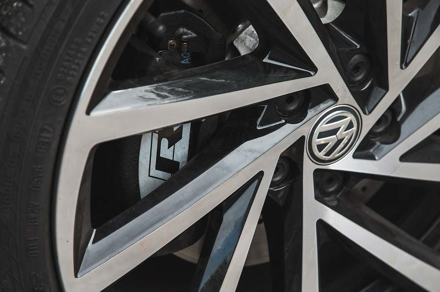 Volkswagen Golf R Estate performance pack 2018 UK review brake calipers