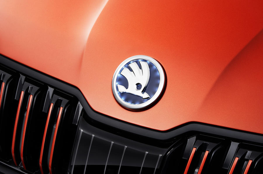 Skoda Mountiaq concept first drive review - bonnet badge