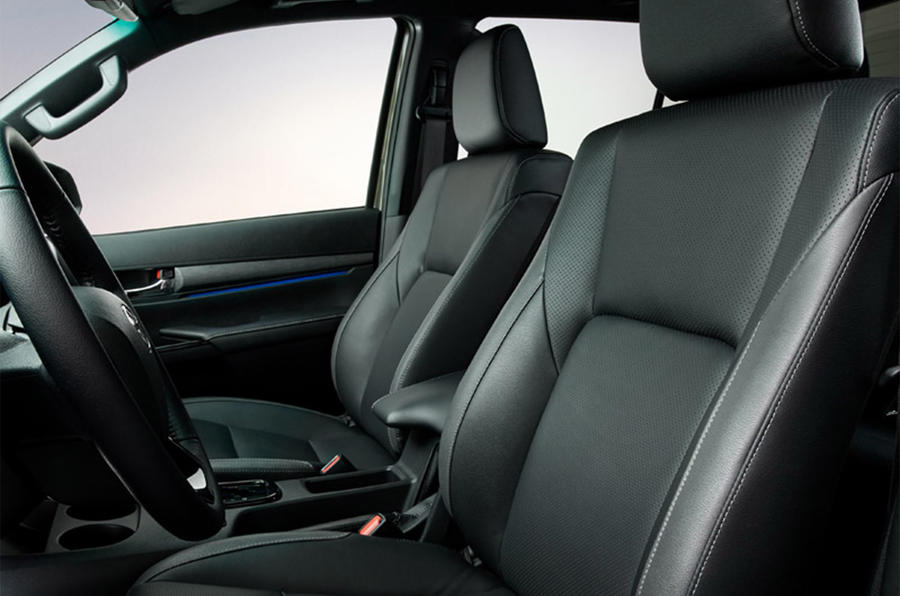 Toyota Hilux 2020 - interior
