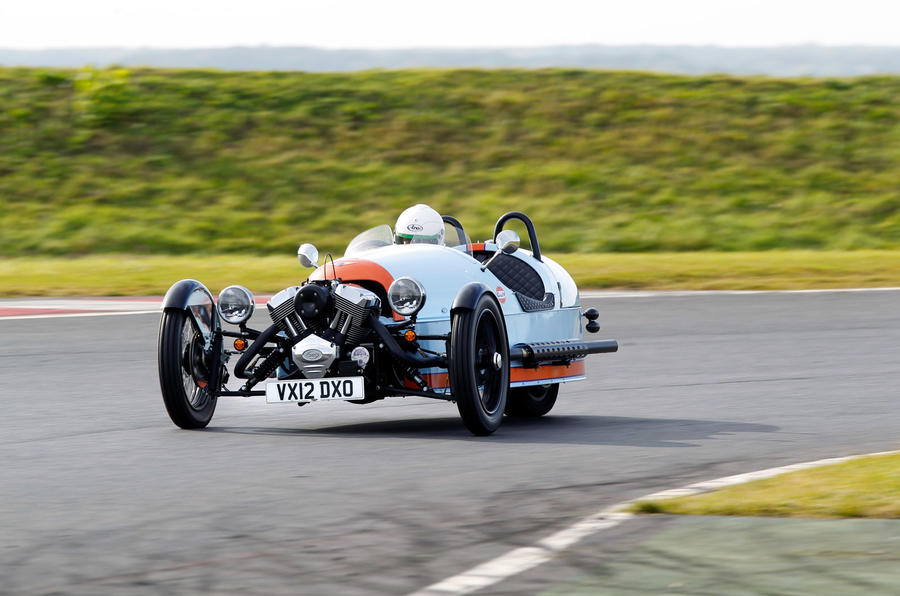 Morgan 3 Wheeler 2011 - tracking front