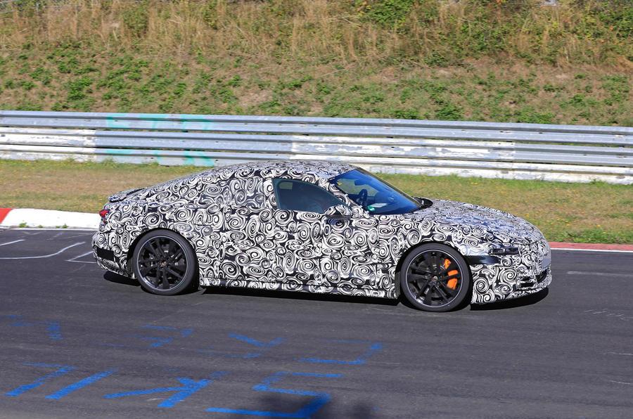 Audi E-tron GT camo tracking - side