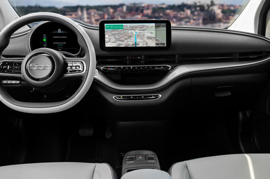 Fiat 500 electric 2020 official press images - dashboard