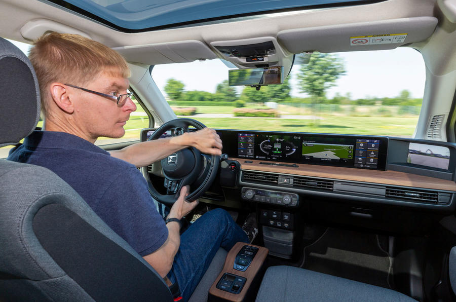 Honda e 2019 prototype drive - James Attwood driving