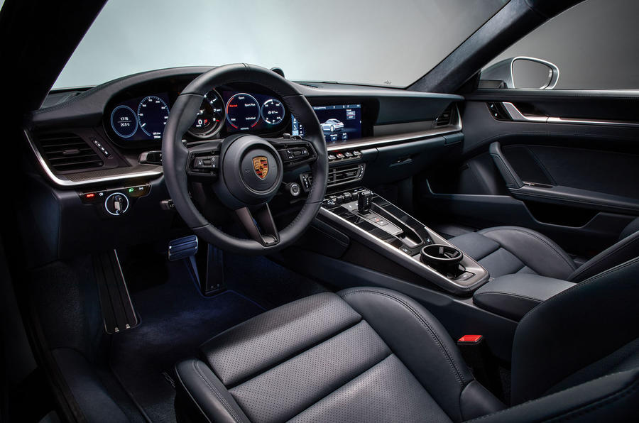 2019 Porsche 911 official reveal - press still cabin