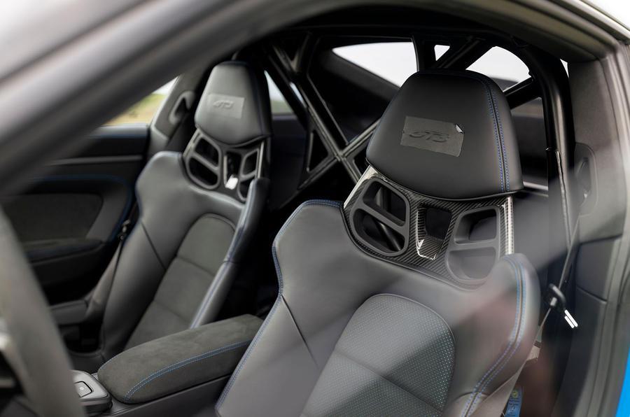 Porsche 911 GT3 2021 passenger ride - seats