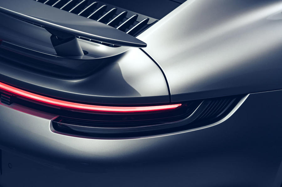 Porsche 911 Turbo S 2020 - tail-light