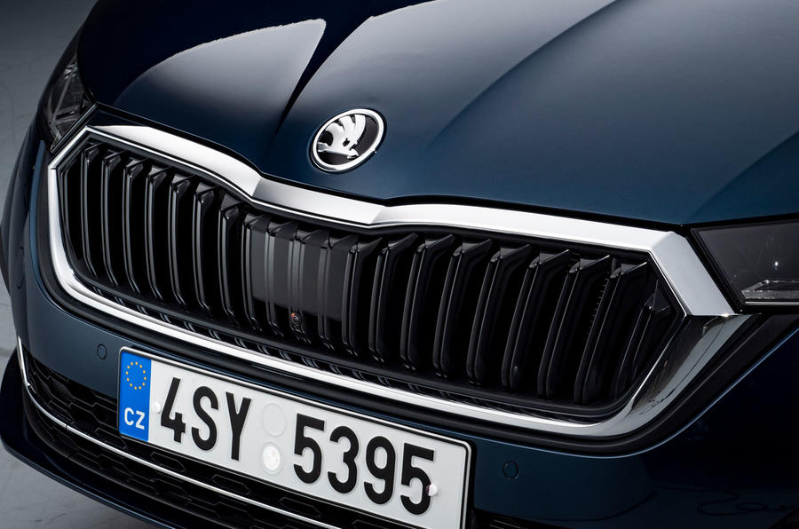 2020 Skoda Octavia hatch official studio - front grille