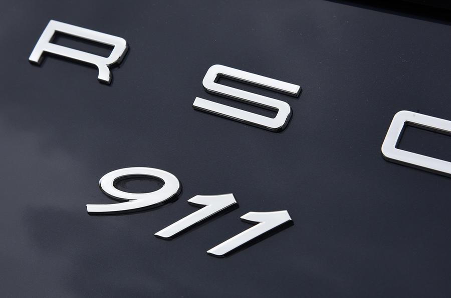 Porsche 911 badging