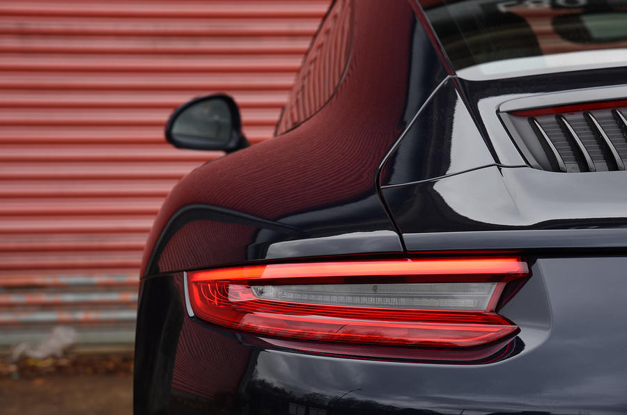 Porsche 911 Carrera rear lights