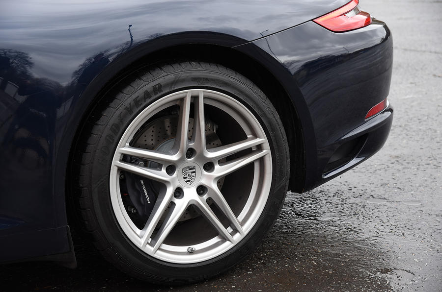 Porsche 911 5-point star alloys