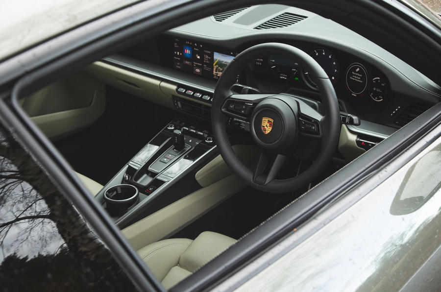 Porsche 911 Carrera 2019 UK first drive review - cabin