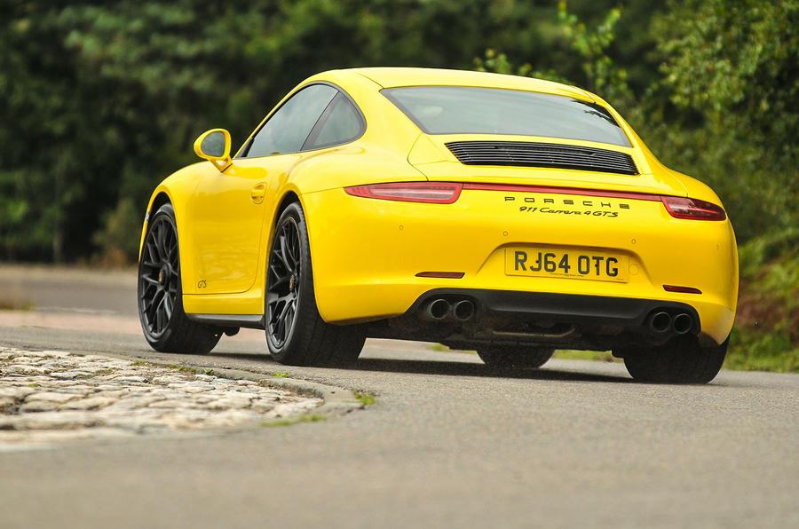 Porsche 911 C4 GTS