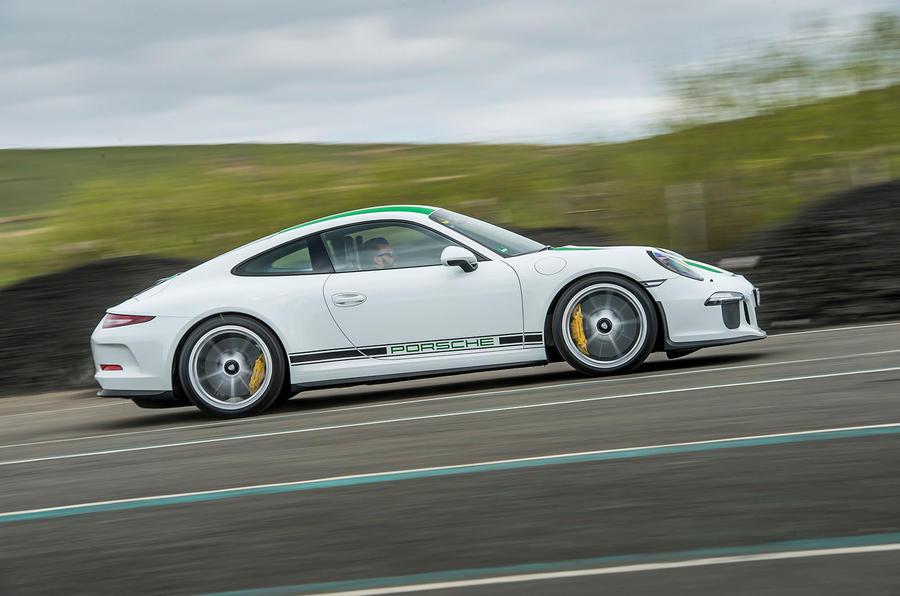 200mph Porsche 911 R