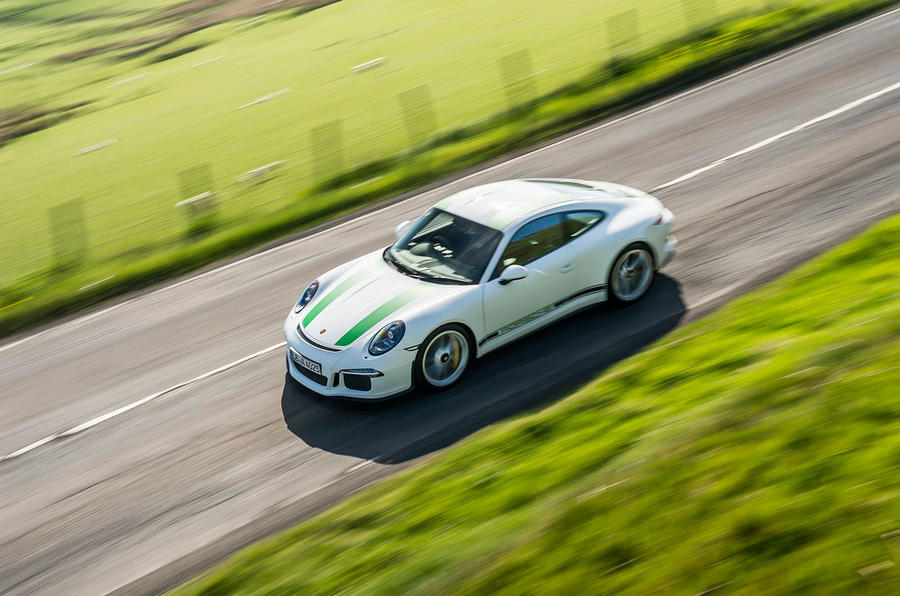Porsche 911 R top profile