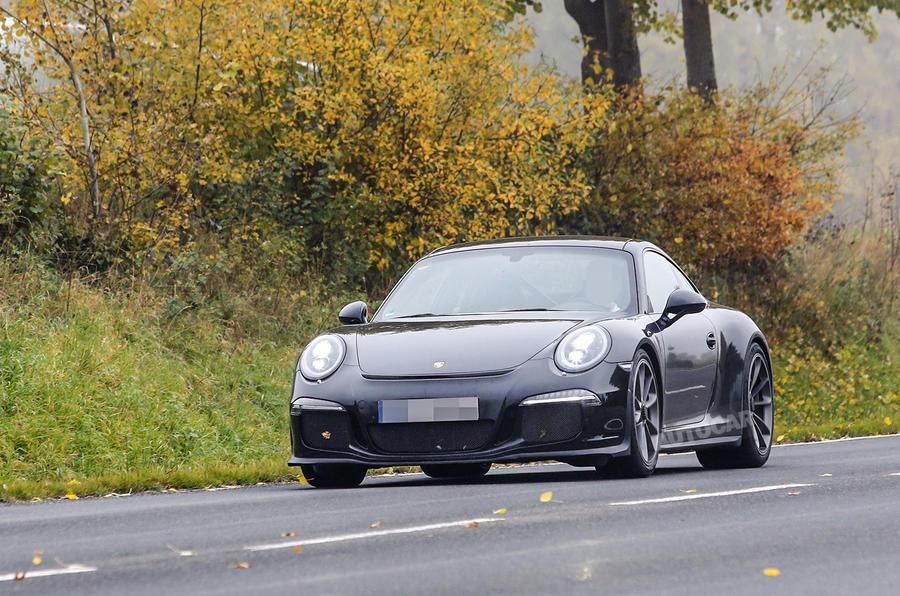 Porsche 911 R spy shots