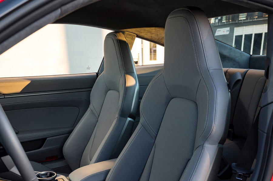 Porsche 911 Carrera 4S 2019 review - seats
