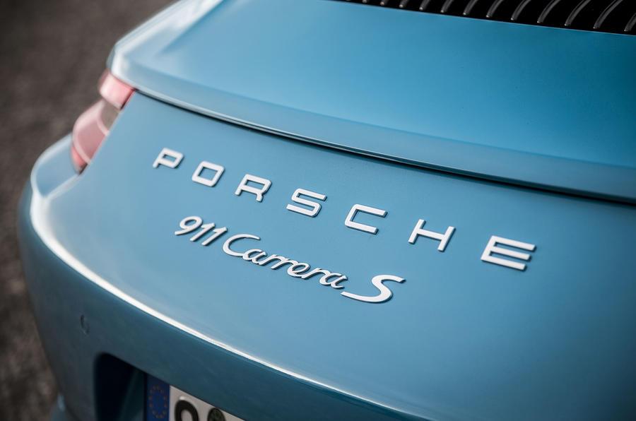 Porsche 911 Carrera S badging