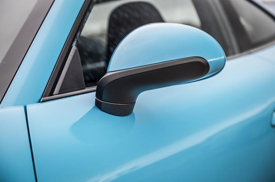 Porsche 911 Carrera S wing mirror