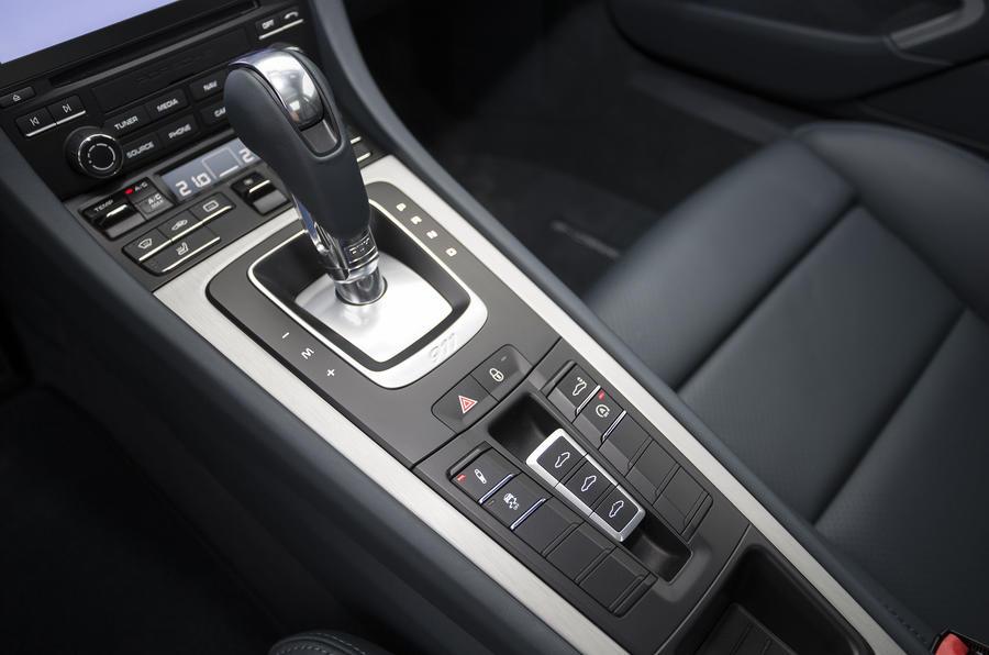 Porsche 911 Carrera S PDK gearbox