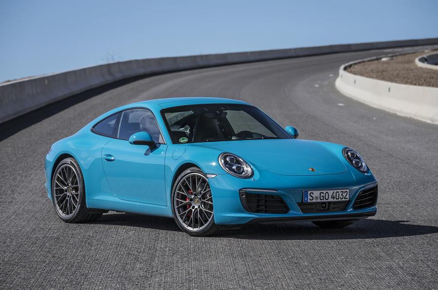 5 star Porsche 911 Carrera S