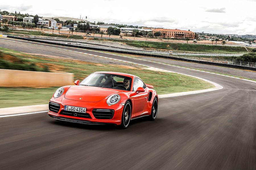 1600kg Porsche 911 Turbo S