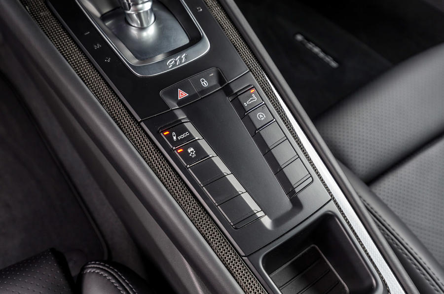 Porsche 911 Turbo S dynamic controls