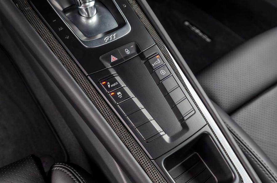 Porsche 911 Turbo S dynamic controls