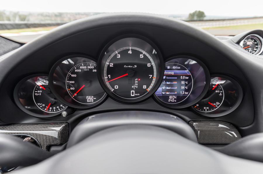 Porsche 911 Turbo S instrument cluster