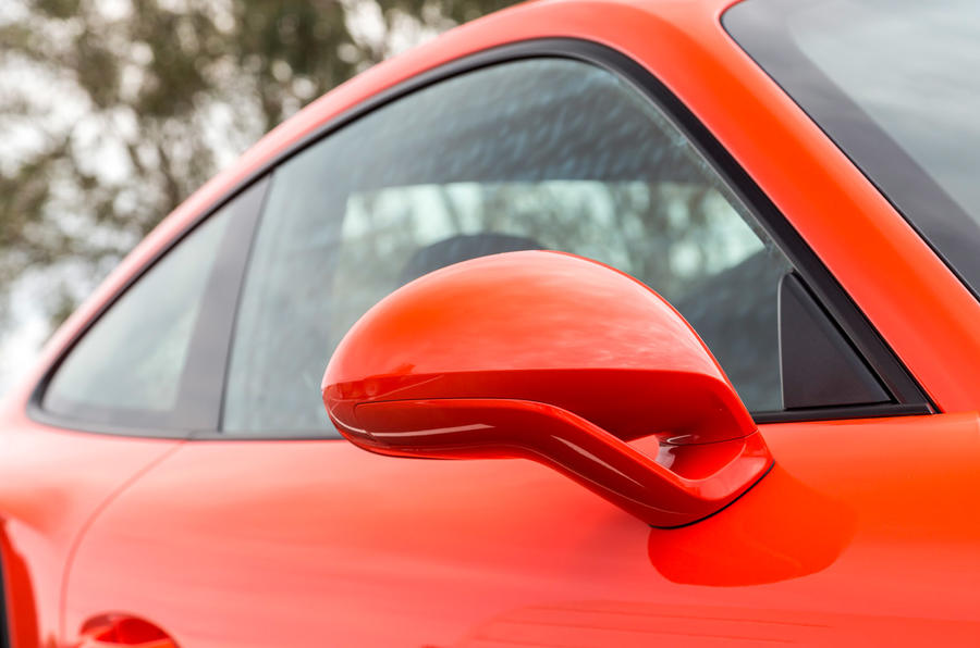 Porsche 911 Turbo S wing mirror